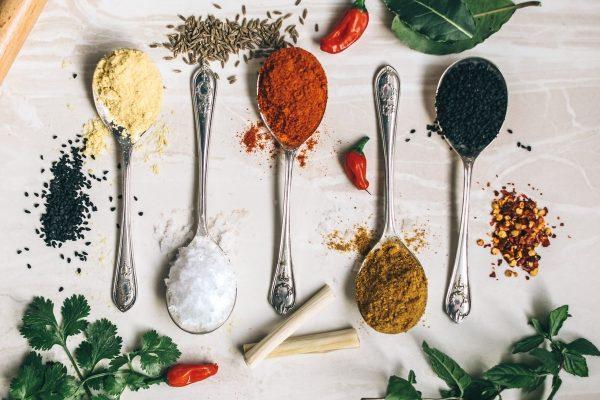 Çiloğlu food spices allspice cardamom cloves fennel nutmeg saffron sumac turmeric