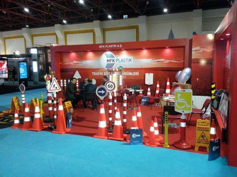 Mfk plastik mfk7001 red expandable extendable construction site barrier