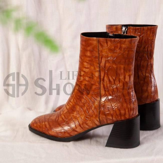 Elegant women booties ankle pointe