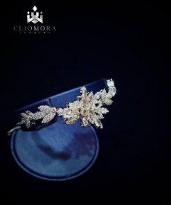 Valuable bracelet imaginative clio