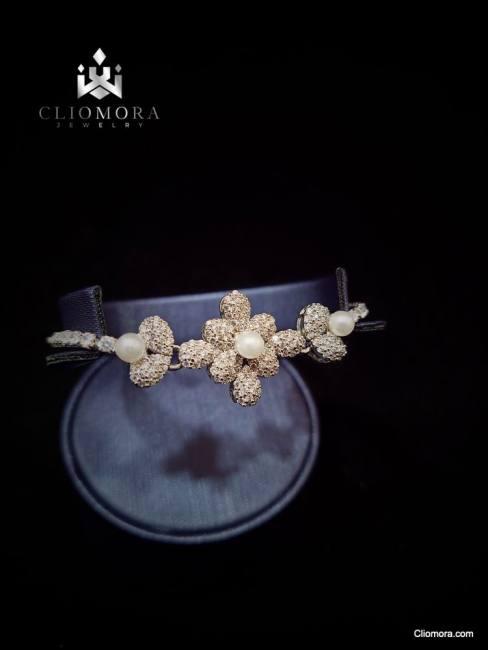 Offbeat bracelet erratic cliomora